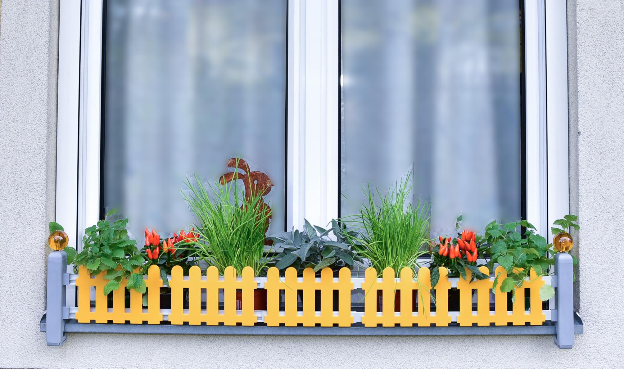 Masu planter holder for window sill without drilling or sawing